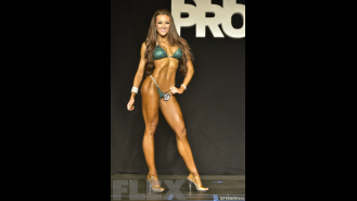 Courtney King - 2015 New York Pro Gallery Thumbnail