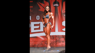 Melissa Bumstead - Figure - 2016 IFBB Toronto Pro Supershow Gallery Thumbnail